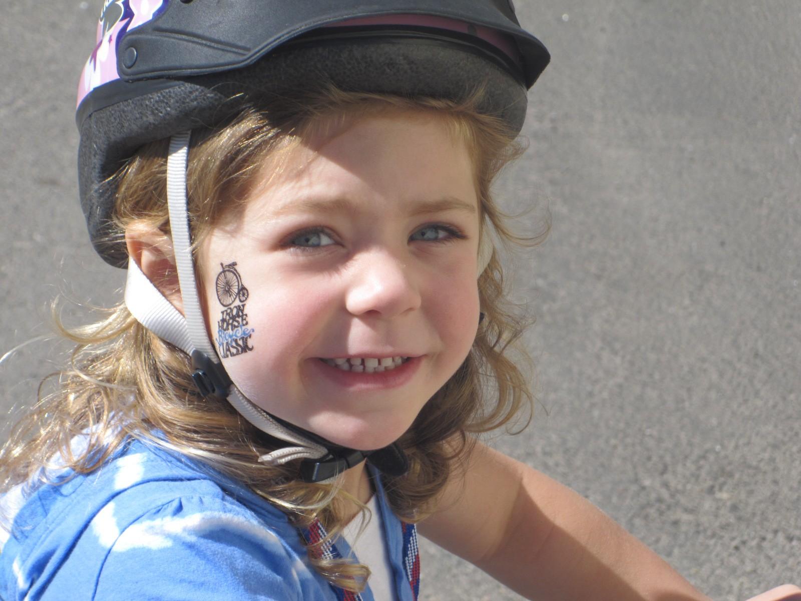 Alyxx wins first bike race