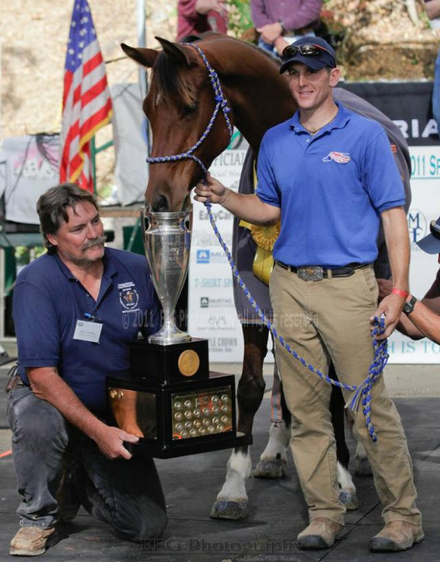 Jeremy Reynolds wins the 2011 Tevis Cup in Easyboots
